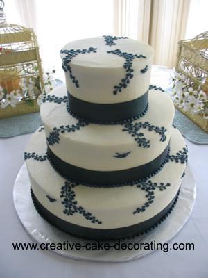 3 tier cake with gingko leaf design