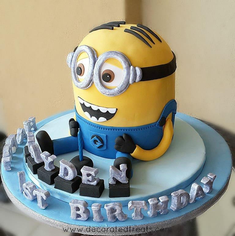 Minion cake with 3D fondant letters
