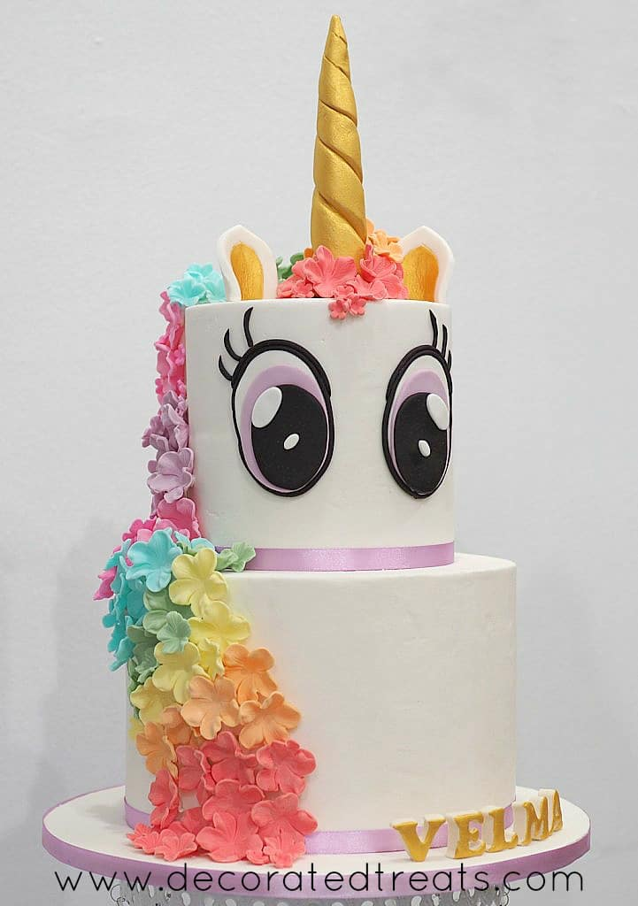 A 2 tier unicorn cake