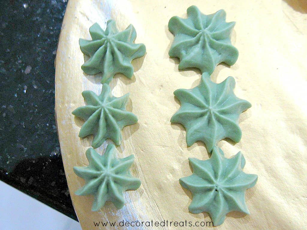Buttercream stars in green