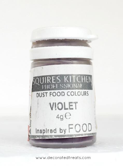 Violet food dust