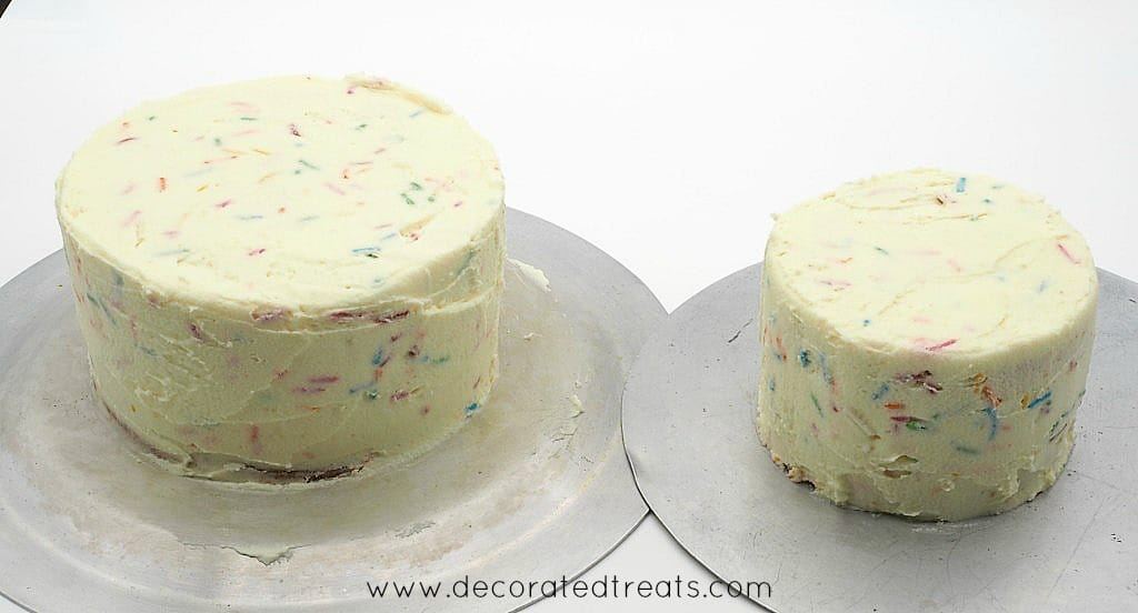 2 round cakes covered in buttercream