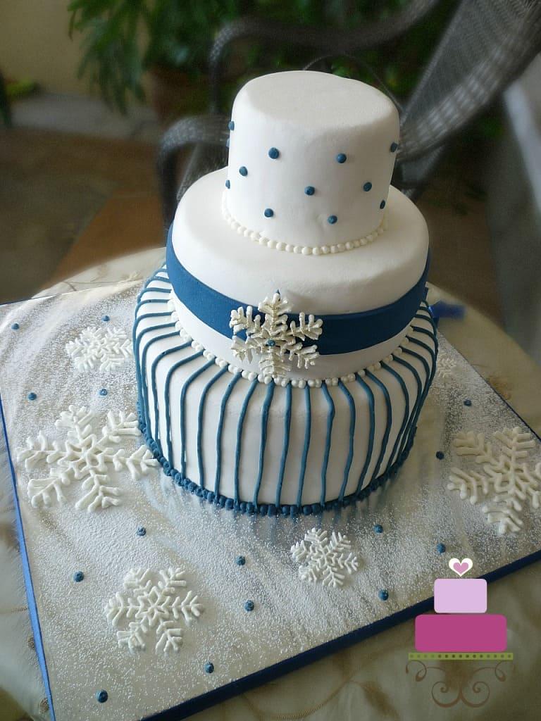 A snowflakes themed wedding cake