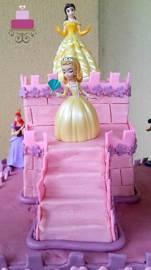 Princesses toy toppers