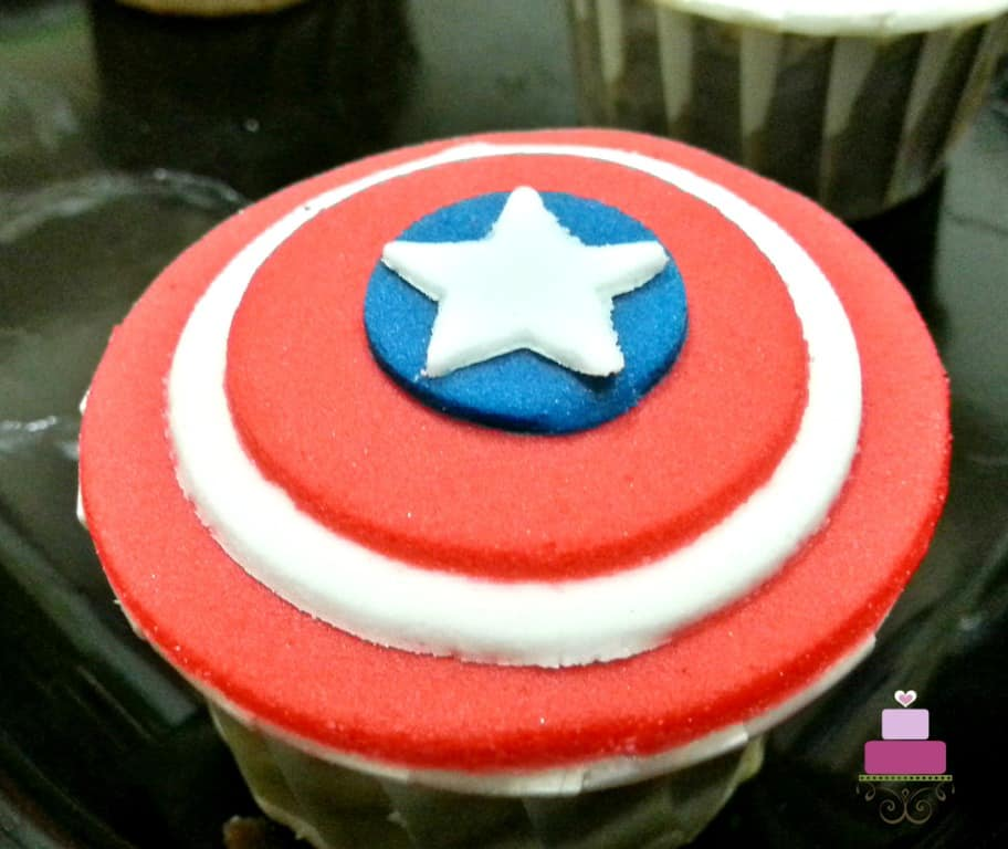 Cupcake with Caption America Shield topper