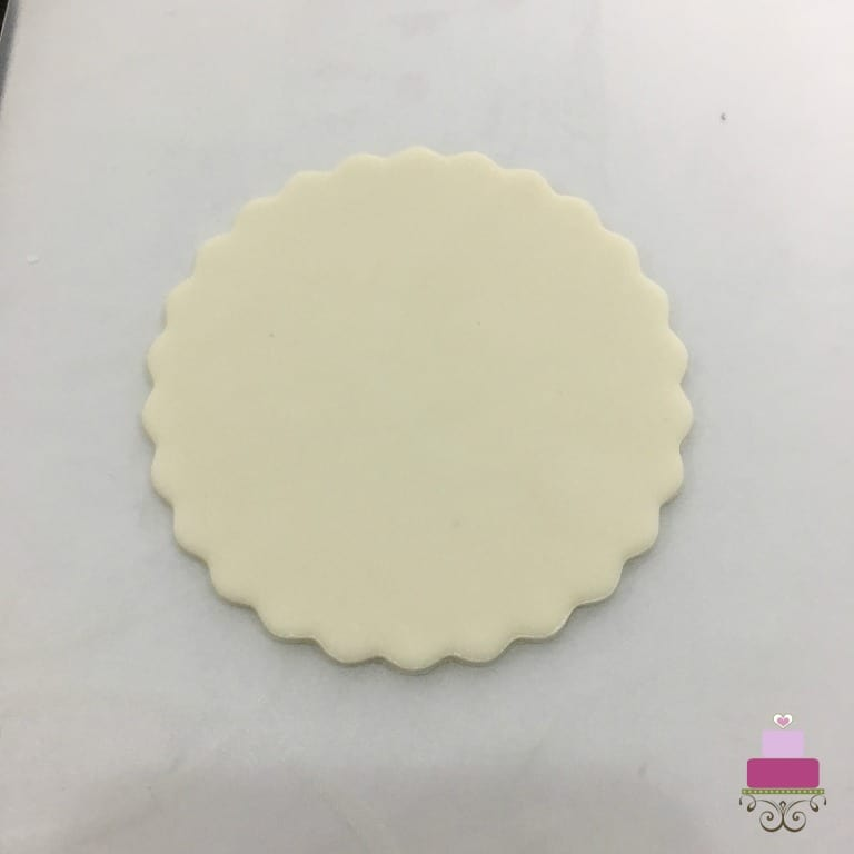 A round piece of fondant